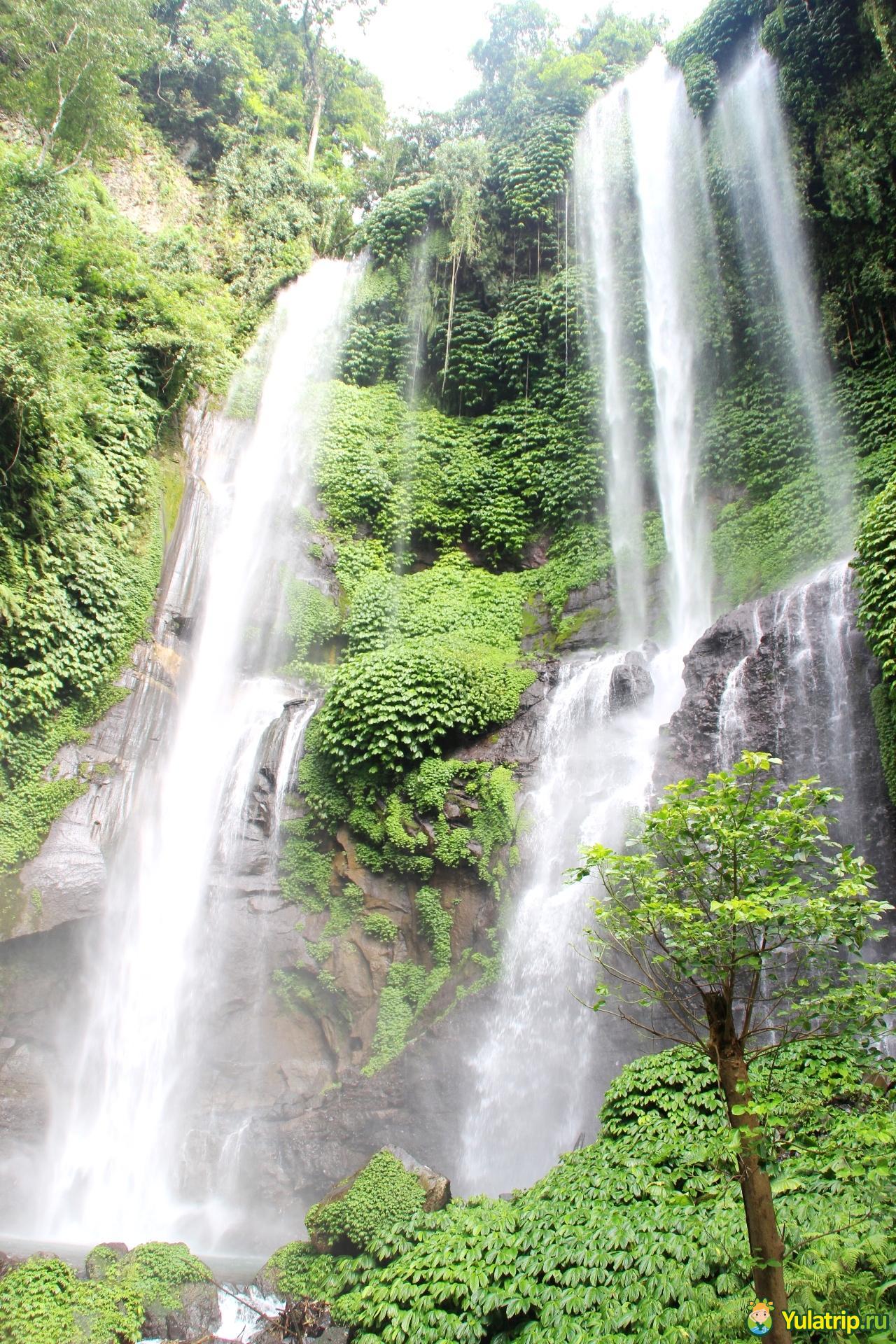 секумпул водопад бали