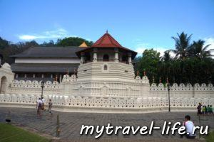 храм зуба будды канди шри ланка
